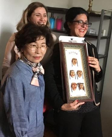 Foto della Dottoressa e dell'Avvocato con la Delegazione Coreana